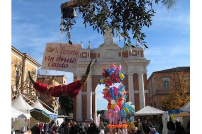 """Dal 8 all'11 novembre a Santarcangelo di Romagna torna la """"Fiera dei Becchi"""""""