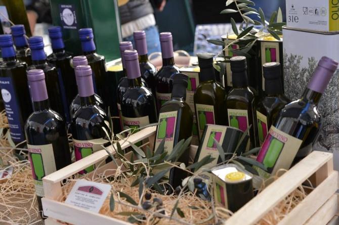 Prim'olio Primovino: il 29 e 30 novembre l'olio e il vino nuovo vi aspettano a Camaiore