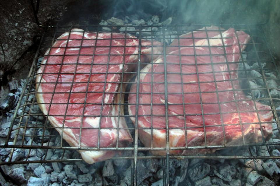 """Il 19 aprile a Ranchio si festeggia il gusto con la """"Sagra della bistecca alla fiorentina di Razza Romagnola"""""""