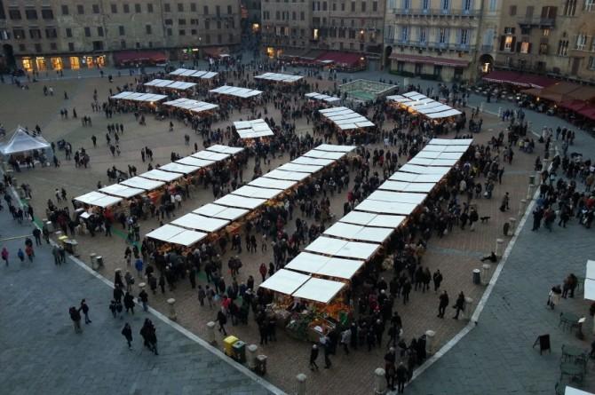A Siena oltre centoventimila presenze per il Mercato nel Campo