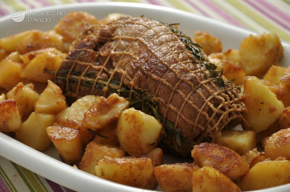 Ricetta arrosto al rosmarino le ricette dello spicchio for Cucinare arrosto