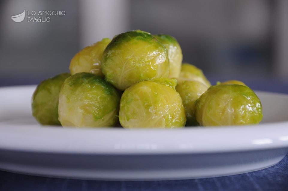 Cavolini aglio e olio