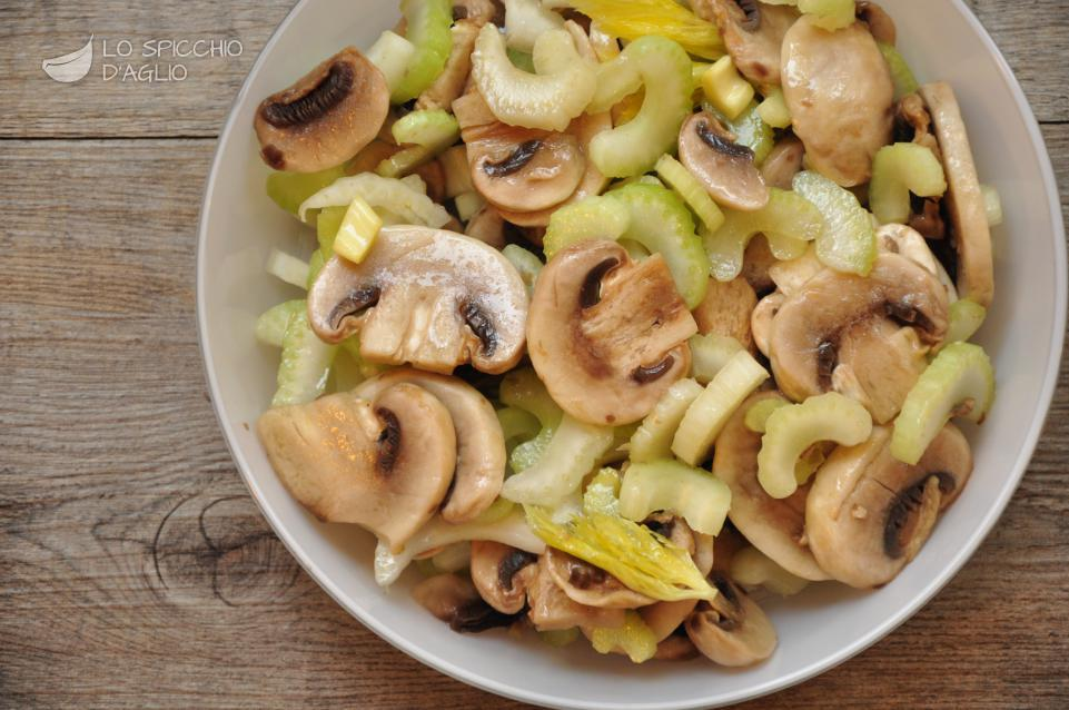 Insalatina sedano e champignon