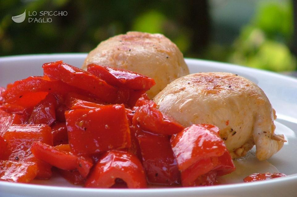http://www.lospicchiodaglio.it/img/ricette/involtinitacchinopeperoni.jpg
