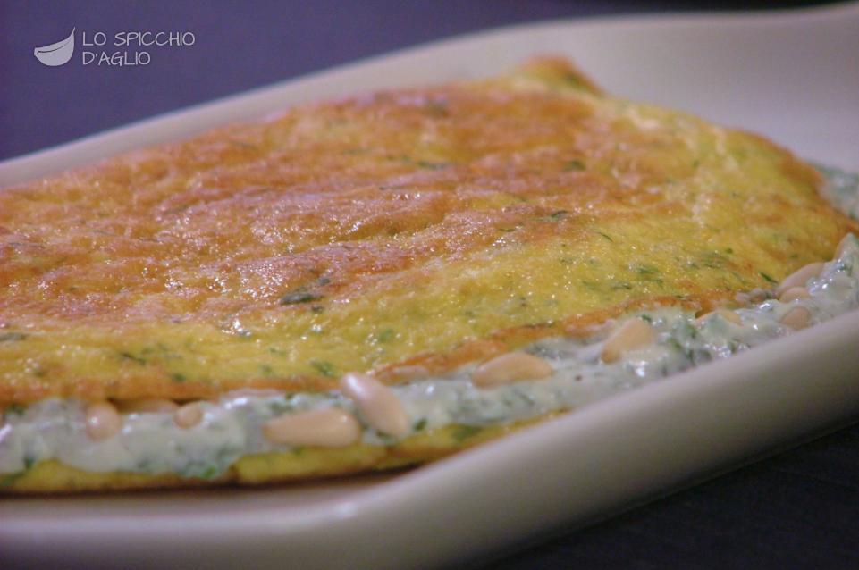 Omelette rucola, ricotta e pinoli