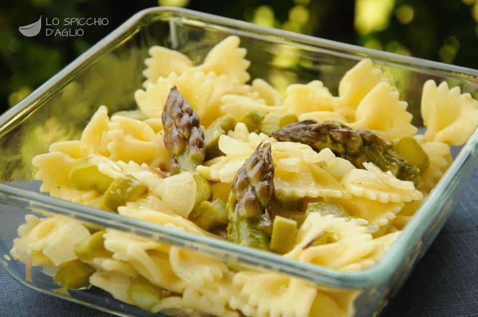 Pasta asparagi e cipolle