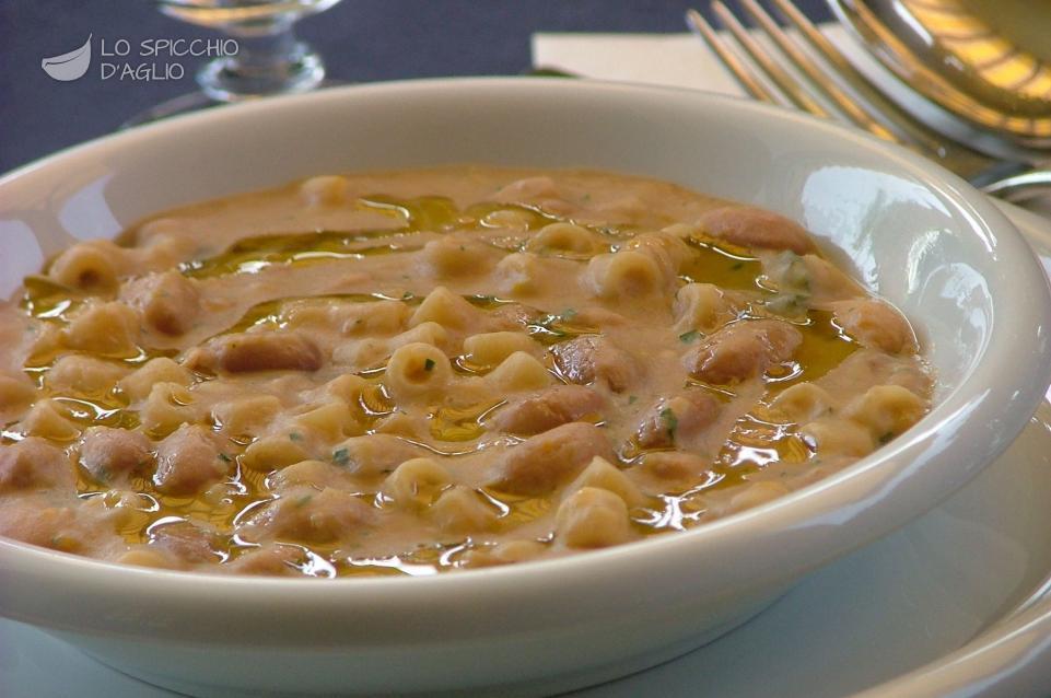 Pasta con i fagioli freschi