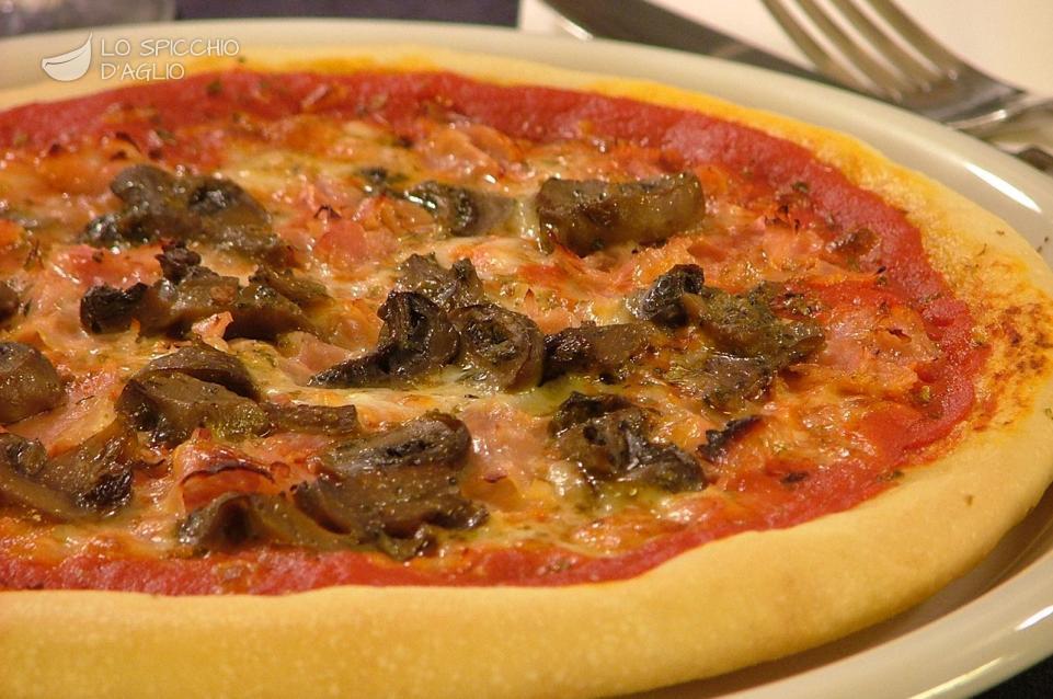 Pizza cotto e funghi