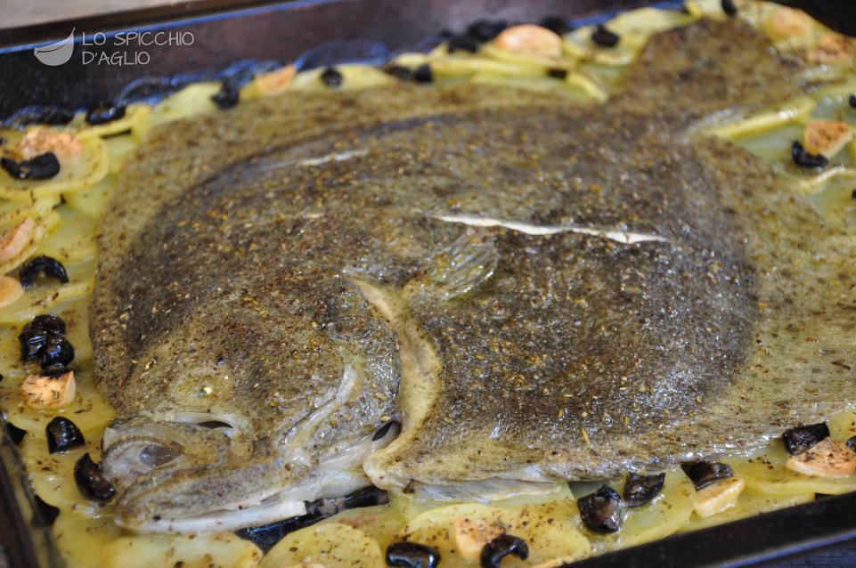 Rombo al forno con patate e olive