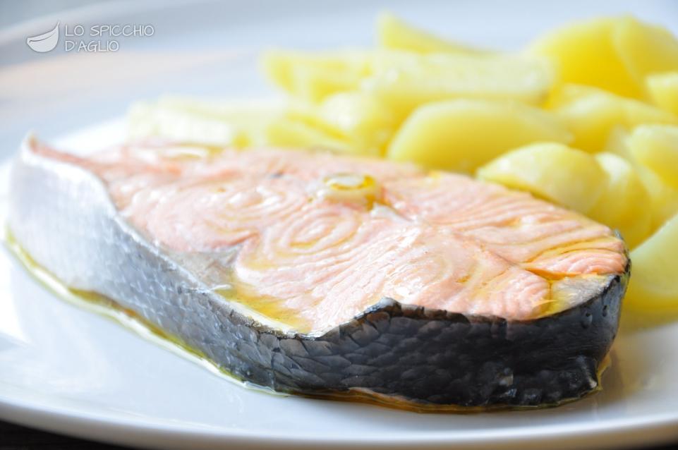Ricetta salmone e patate a vapore le ricette dello spicchio d 39 aglio - Ricette con forno a vapore ...