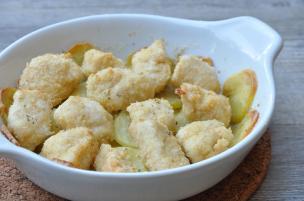 Bocconcini di pollo con sfogliette di patate al forno
