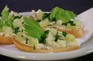 Crostini sedano e gorgonzola