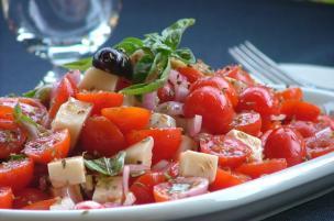 Insalata pomodori e Marzolino