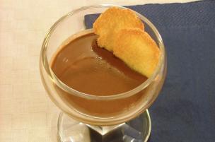Crema di panna e cacao con cialde