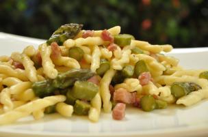 Pasta asparagi e pancetta