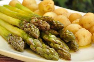 Asparagi e patate novelle al vapore