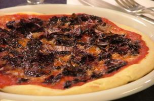 Pizza al radicchio
