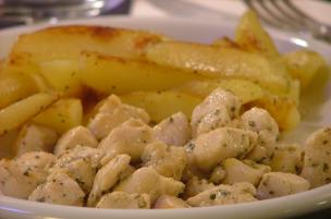 Pollo e patate in padella