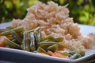 Riso alla soia con carote e fagiolini