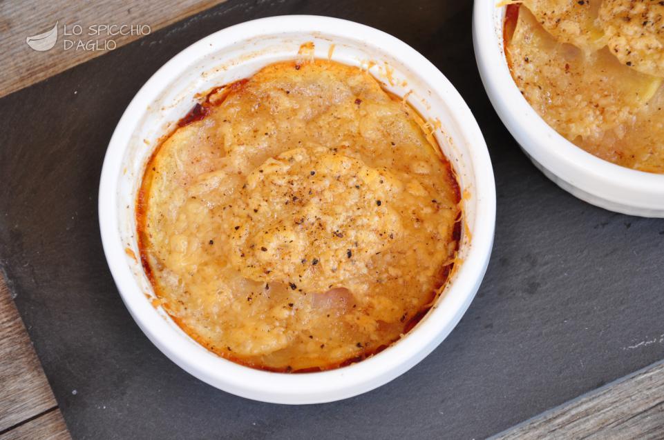 Tortini di patate, cotto e formaggi