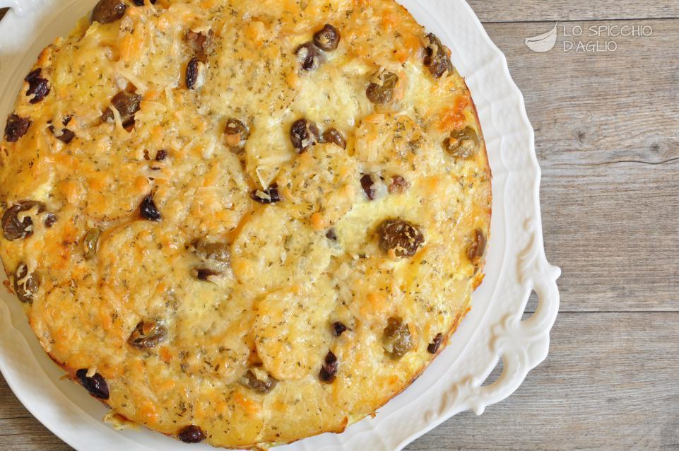 Tortino di patate, mortadella e olive