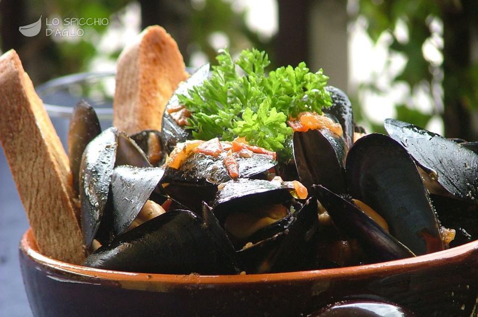 Italian Mussel Soup – Zuppa di Cozze