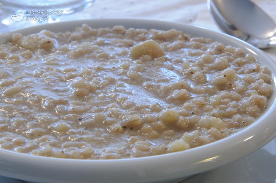 Zuppa d'orzo e cavolfiore